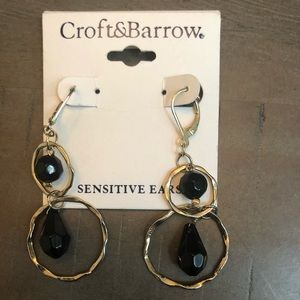 Croft&Barrow earrings gold with black beads. New